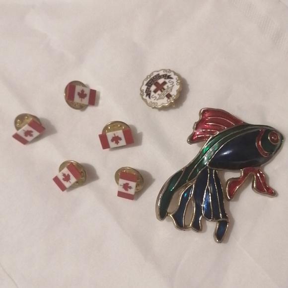 7 Pins.. Canadian flags/United methodist/fish